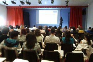 Dar una charla en Zaragoza, mi ciudad, sobre inteligencia emocional y que acuda tanta gente no tiene precio